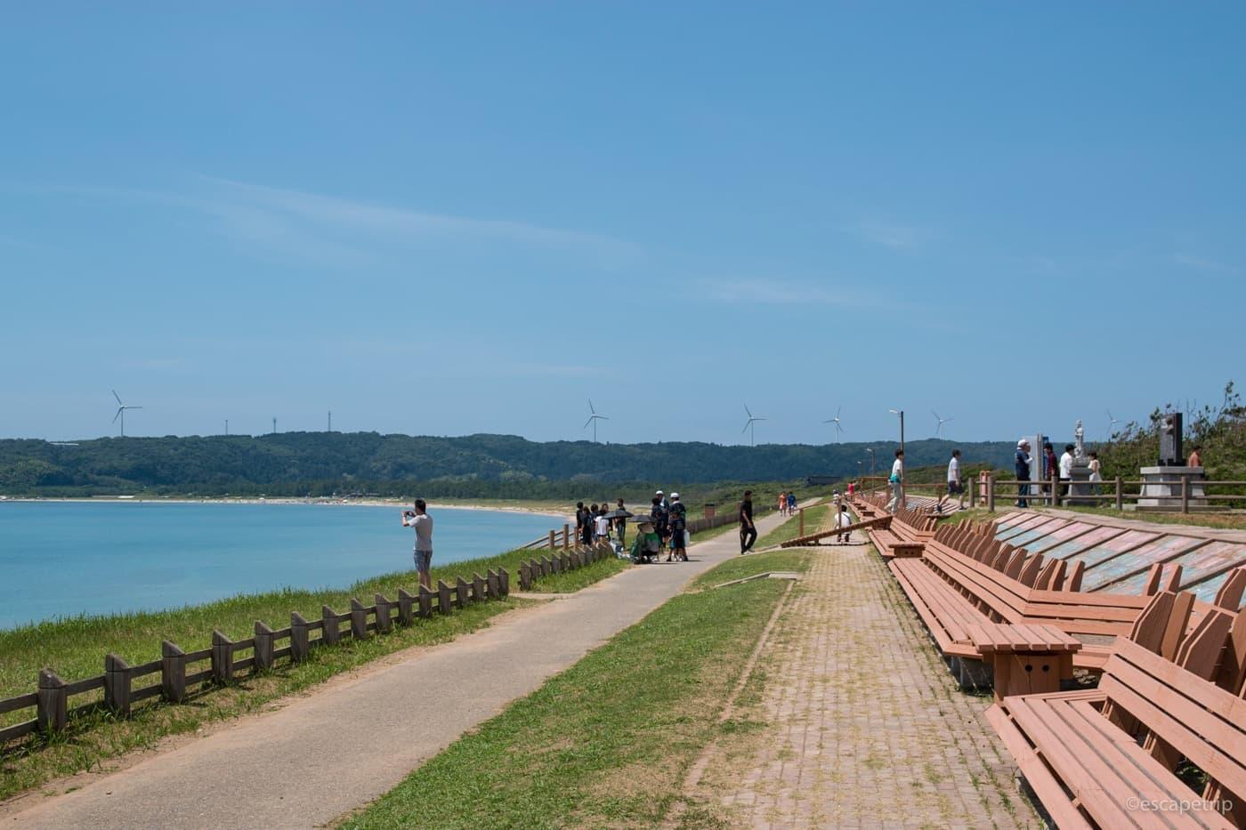 能登半島の世界一長いベンチ
