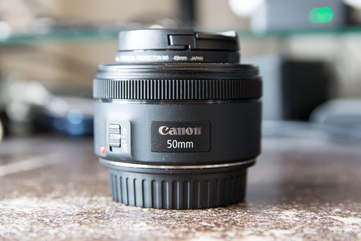 キヤノンの50mm単焦点レンズ