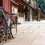 ひがし茶屋街とロードバイク