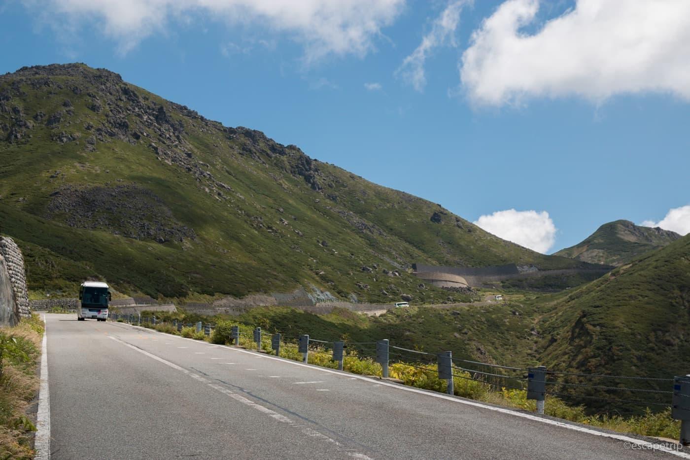 森林限界を超えた乗鞍岳の風景