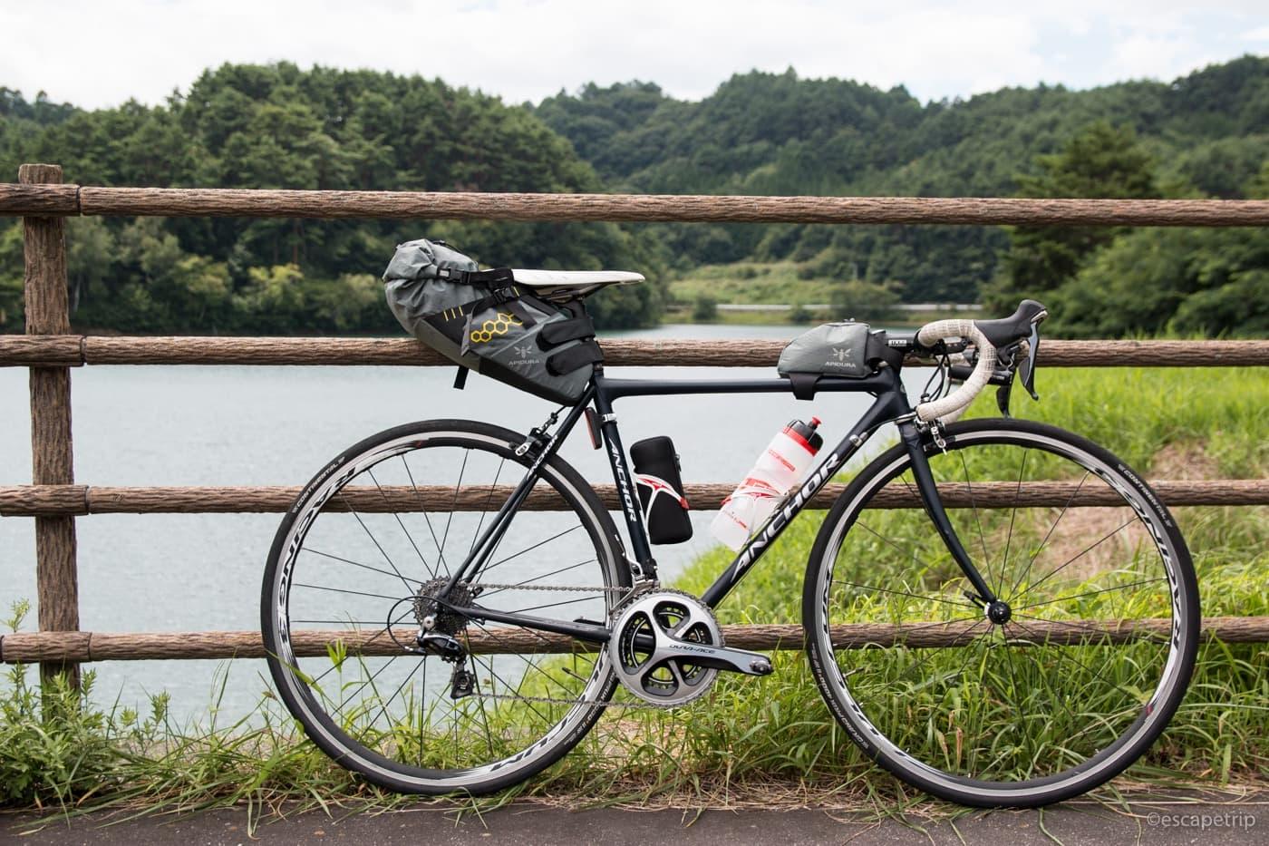 ロードバイクとその荷物