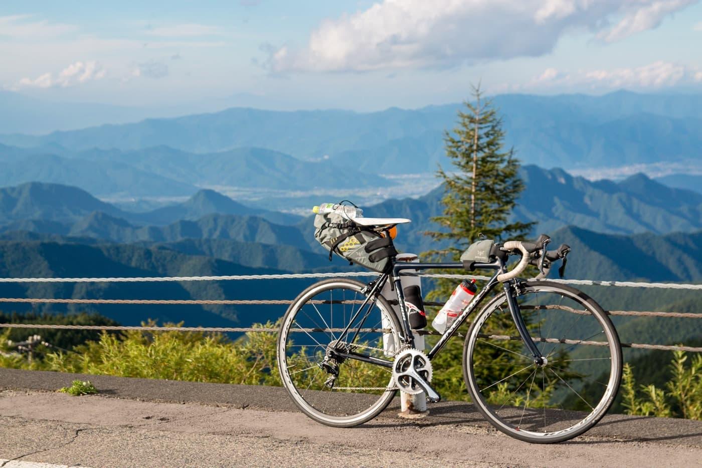 山とRNC7の写真