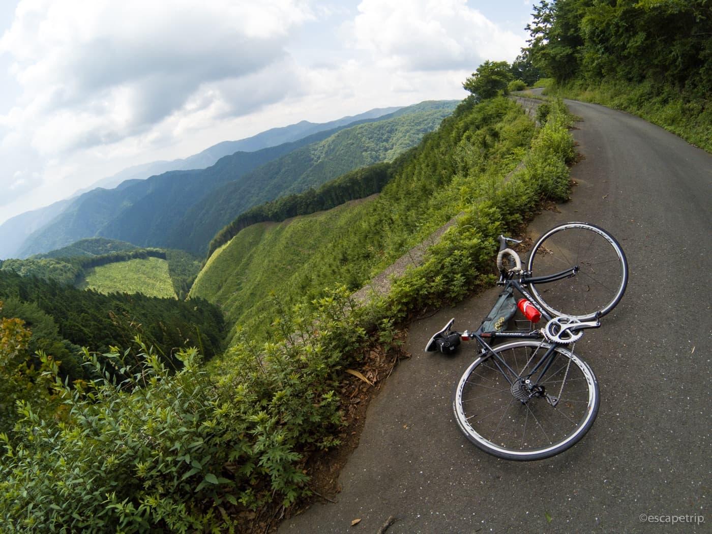 風張林道とロードバイク