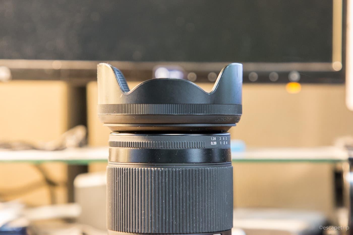 シグマ18-300mmレンズの花形フード