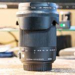 シグマ18-300mmズームレンズのレビュー記事のアイキャッチ
