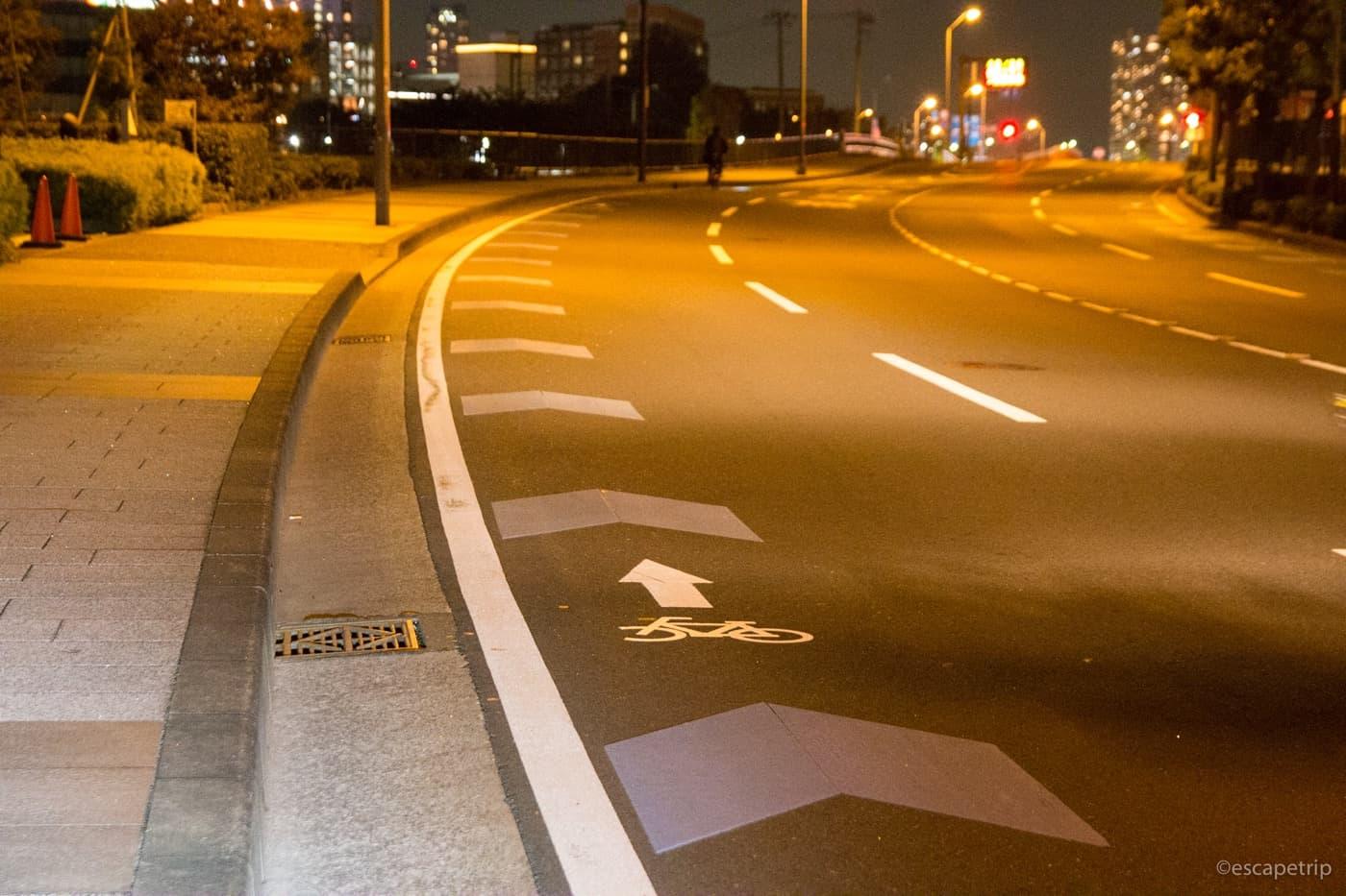 横浜みなとみらいの自転車用レーン