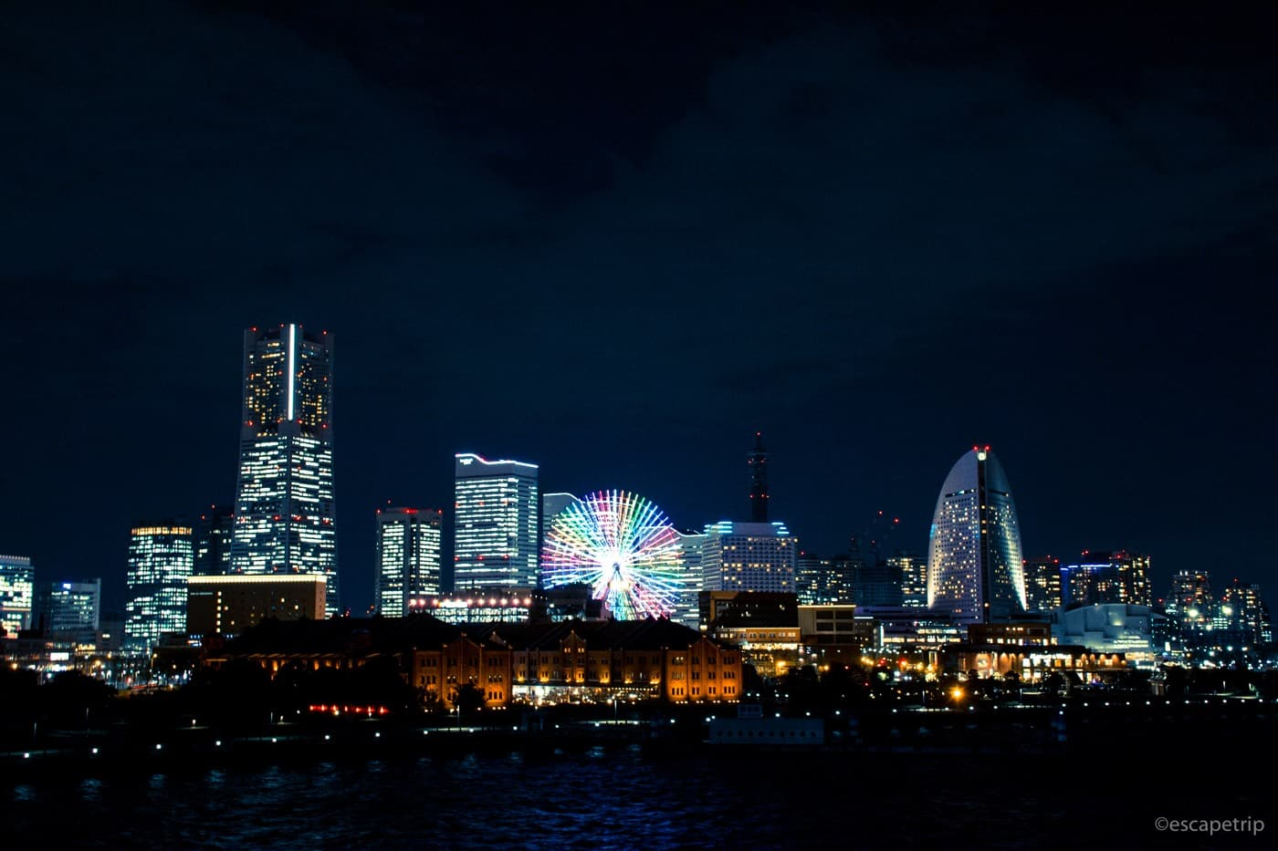 大さん橋から見たみなとみらいの夜景