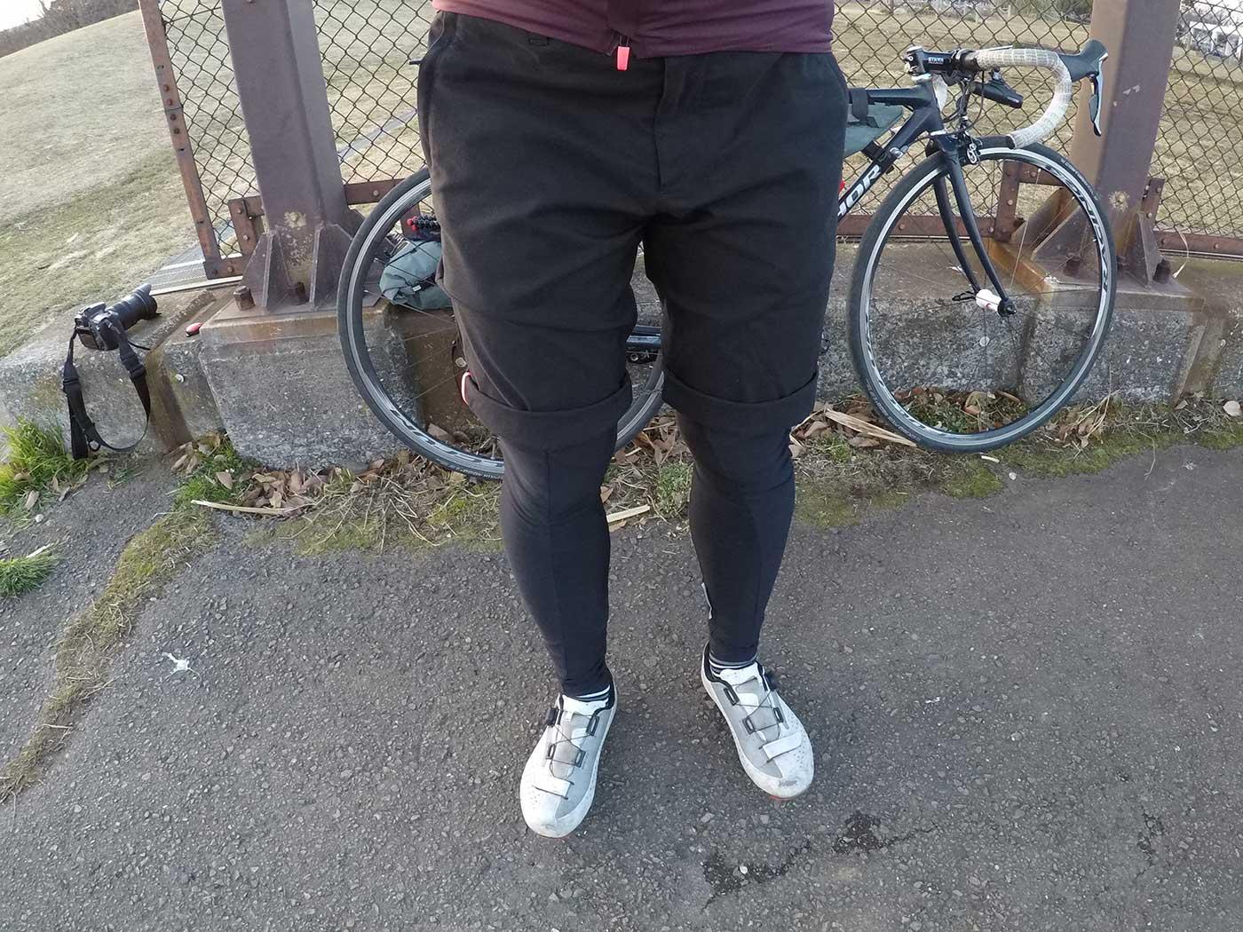 ラファの短パン「Randonnee Shorts」を履いているところ