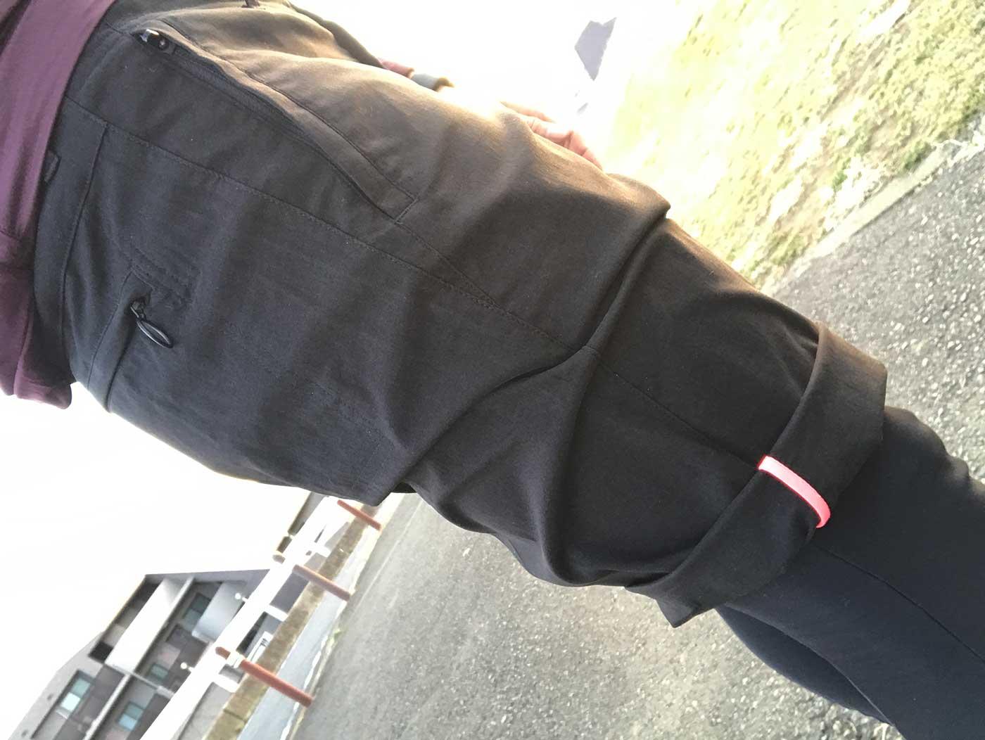 ラファの短パン「Randonnee Shorts」の裾の自撮り