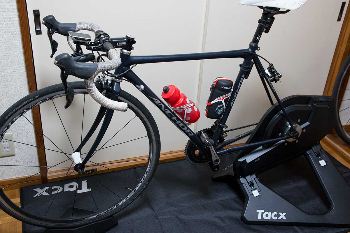 Tacx Neo Smartに接続したロードバイク