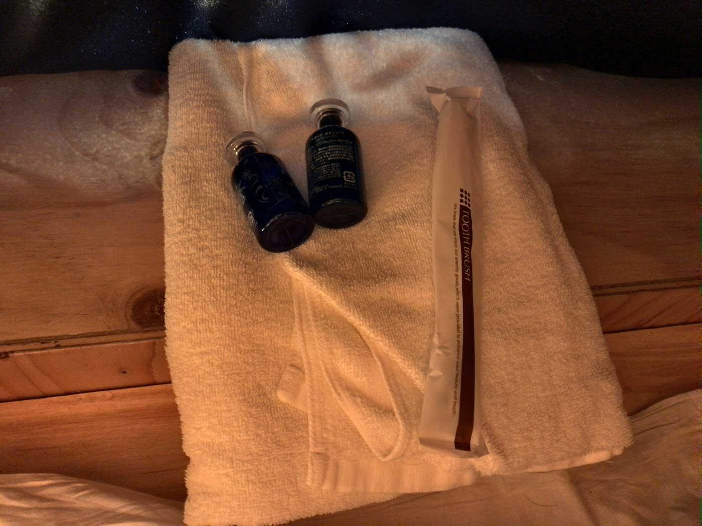 タオルと歯ブラシ、シャンプー