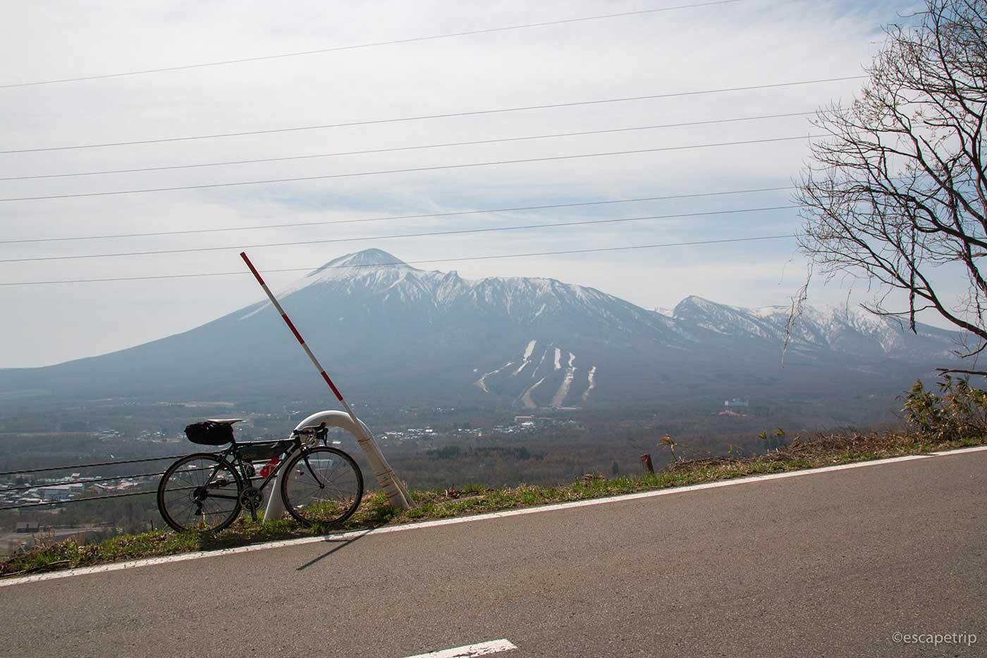 八幡平アスピーテラインとロードバイク