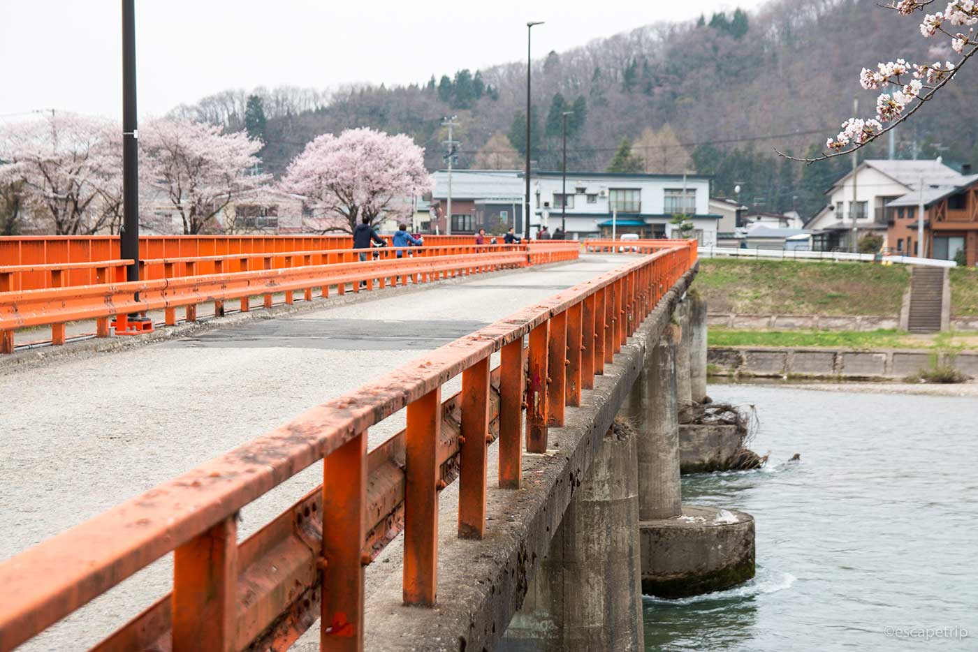 角館の赤い橋