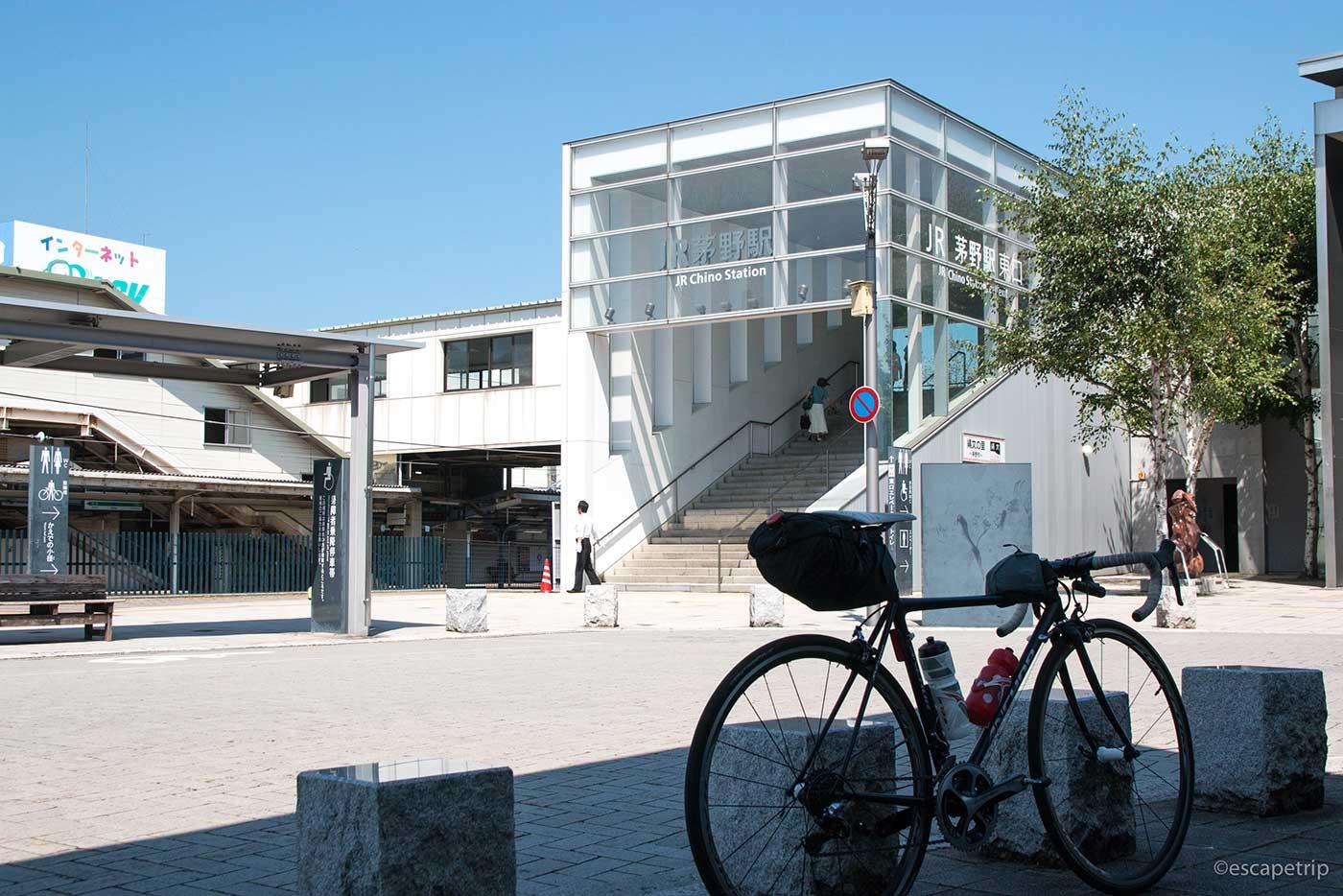 茅野駅とロードバイク