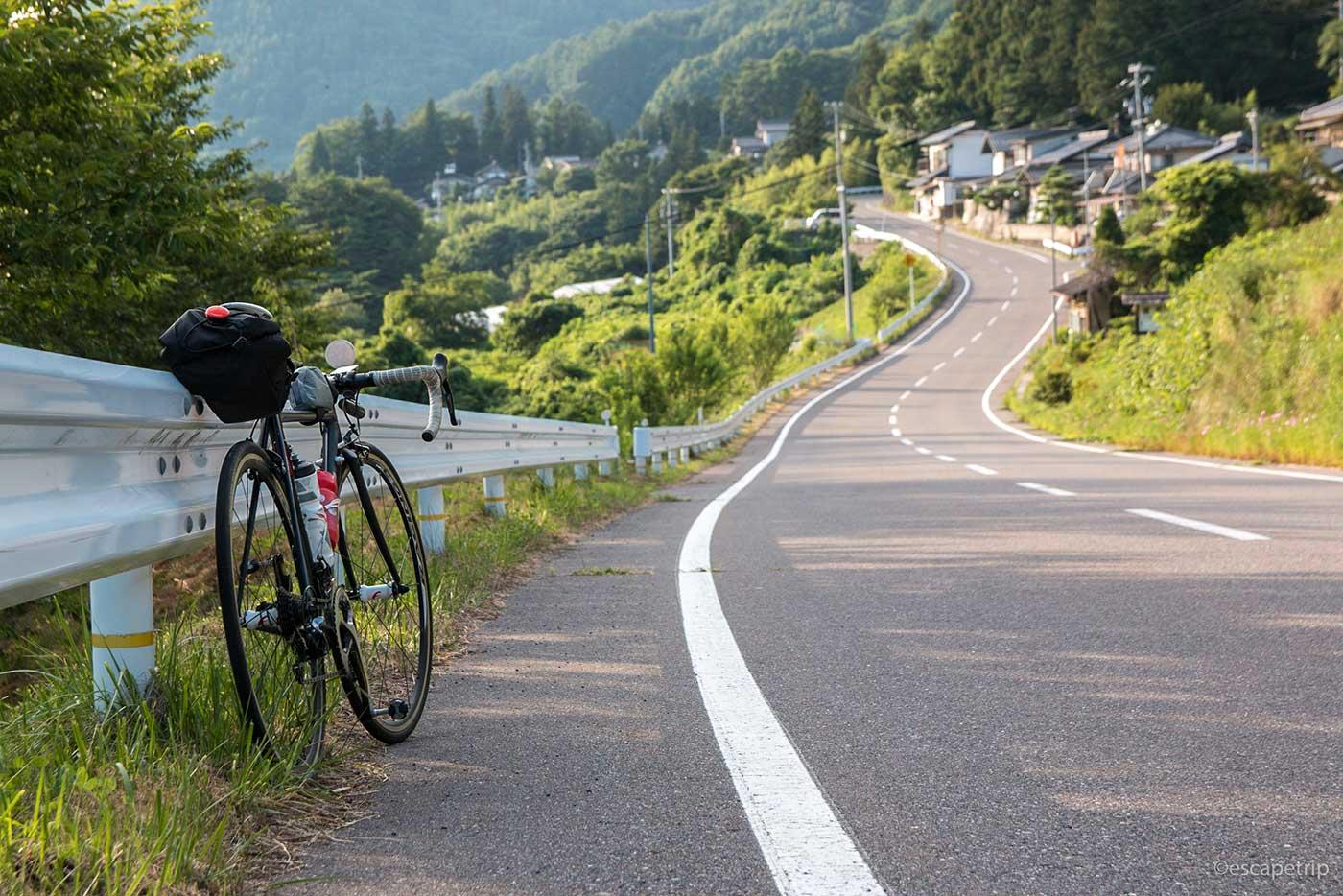 下り坂とロードバイク