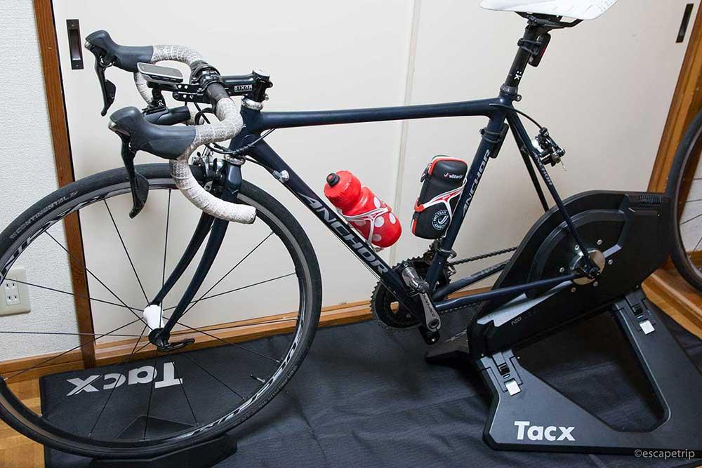 ロードバイクとTacxNeoSmart