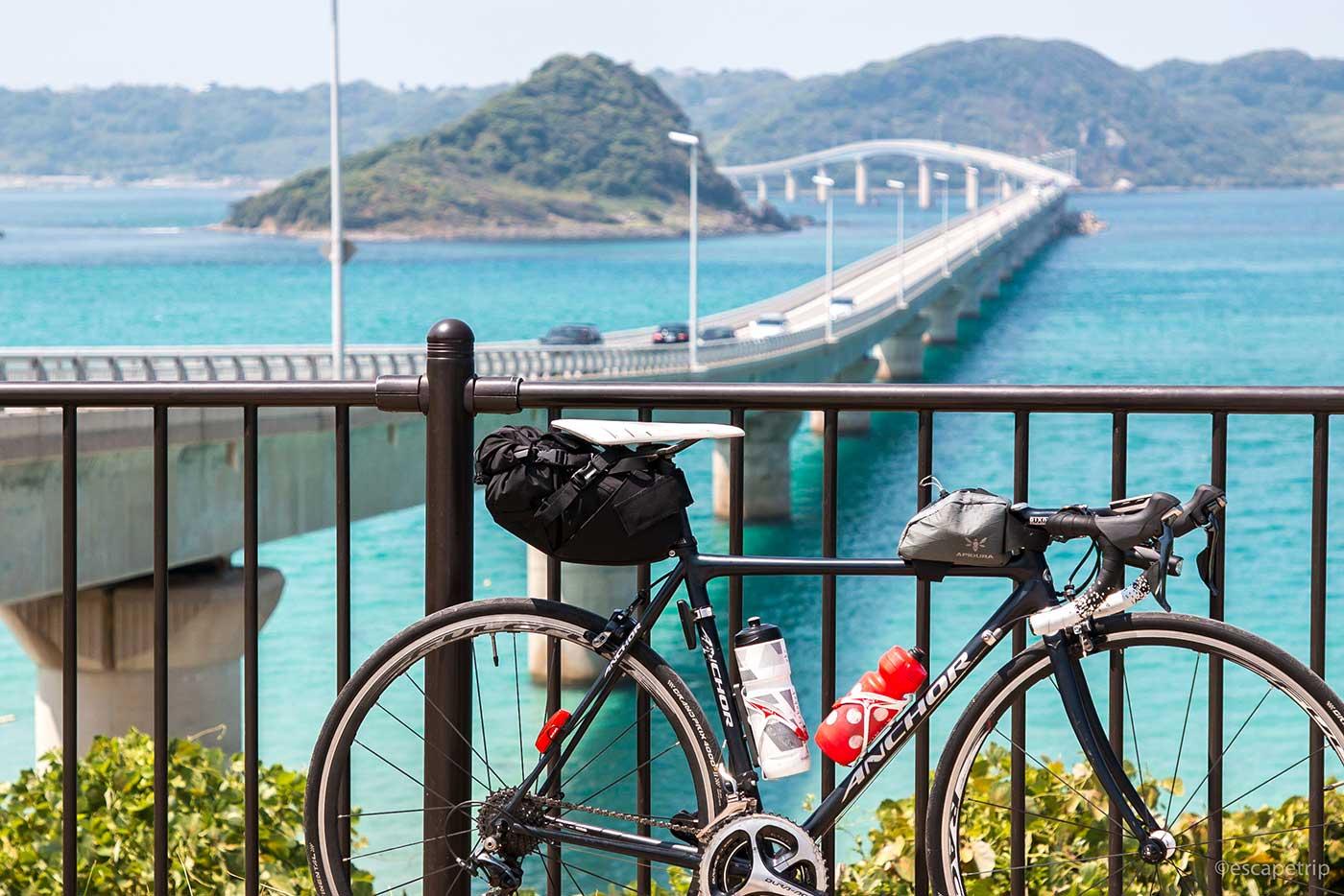 角島大橋とロードバイク