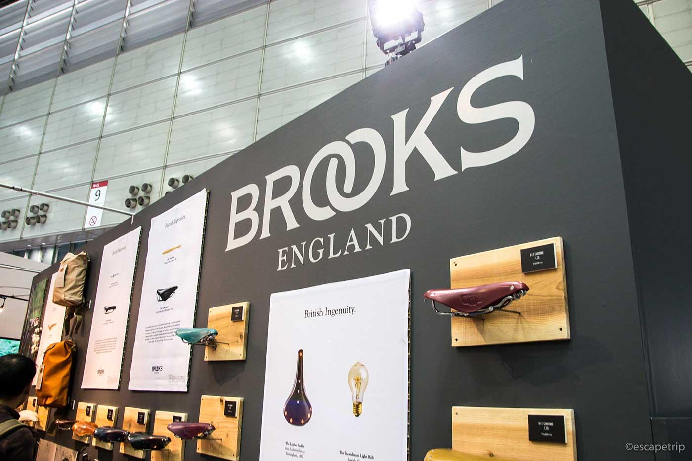 BROOKSのブース