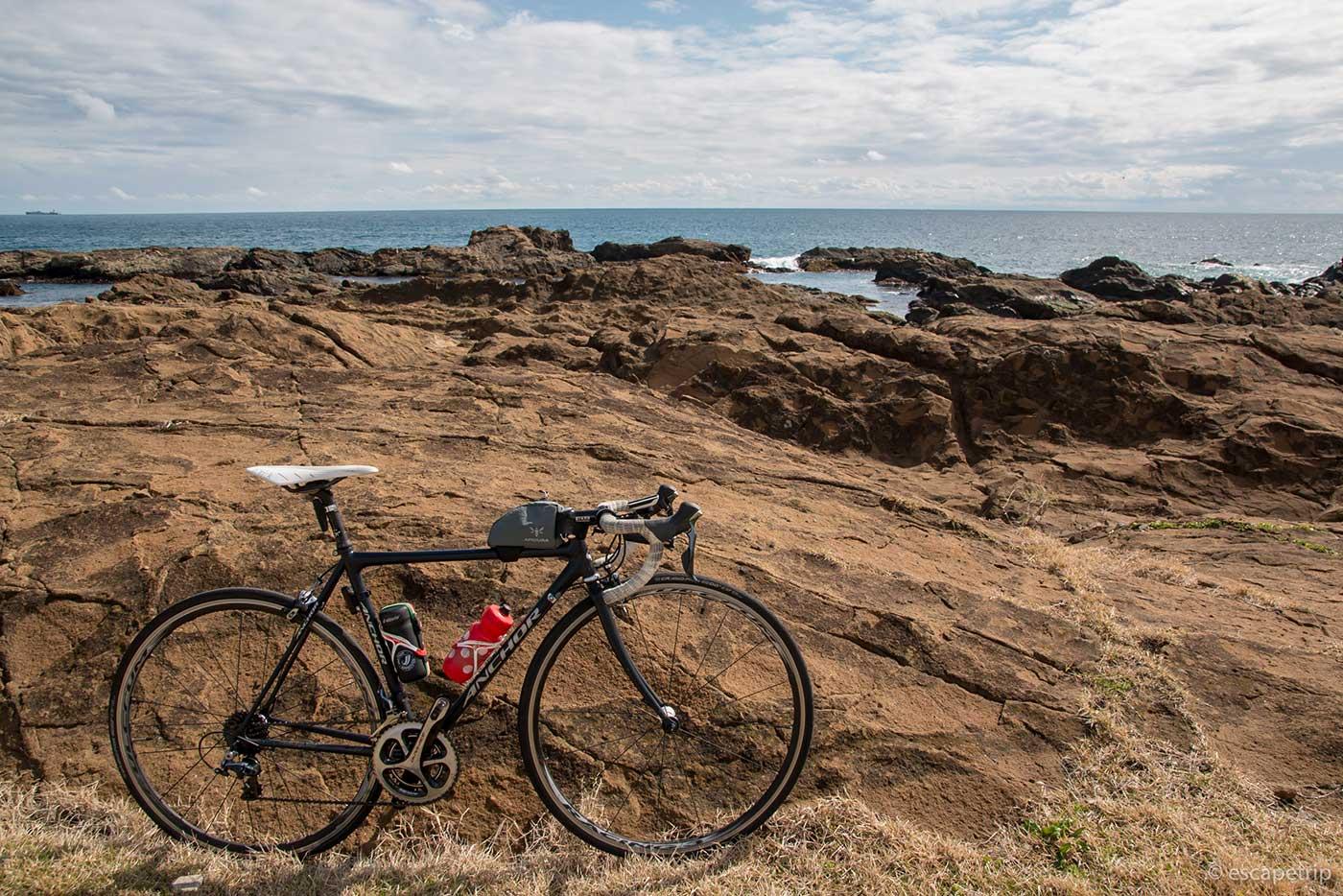 海岸とロードバイク