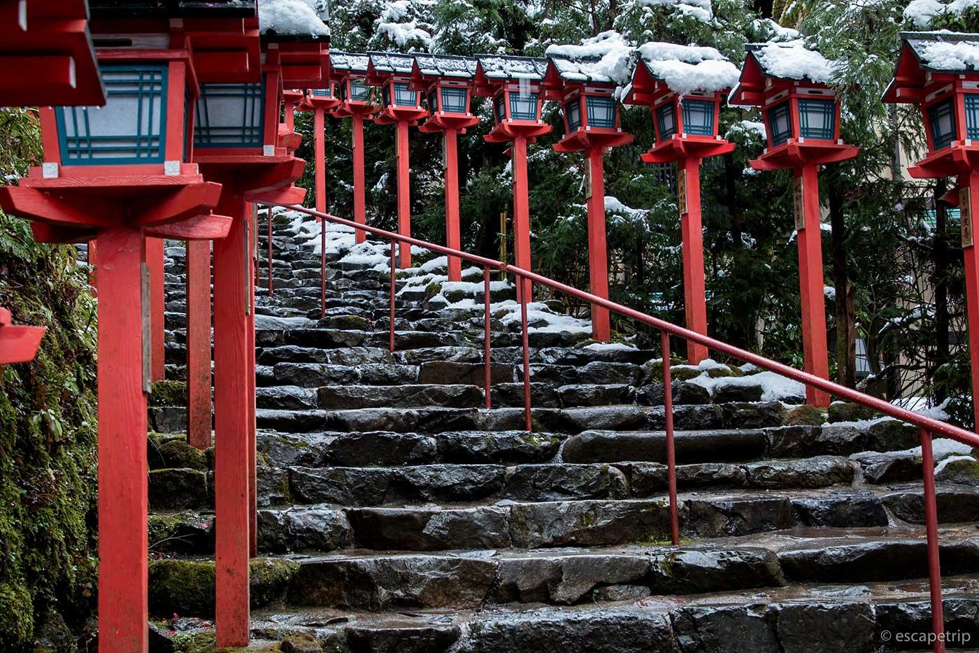 貴船神社の春日燈籠