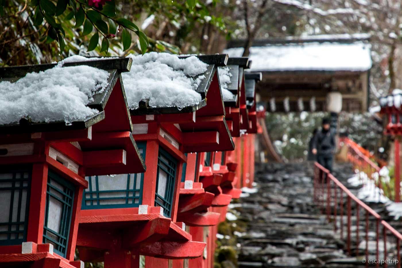 貴船神社の春日灯篭