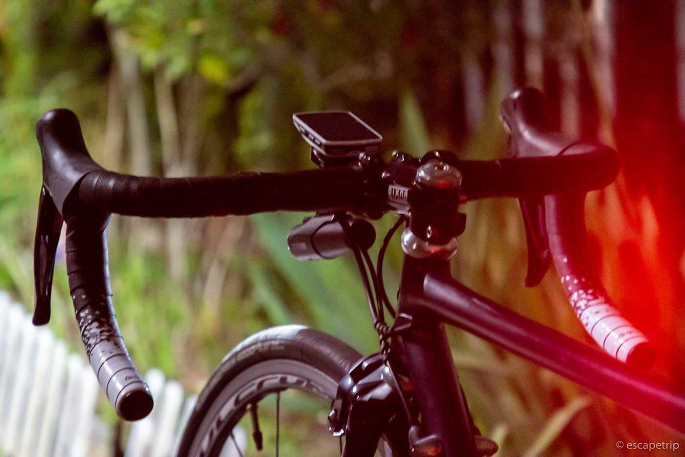 夜に撮ったロードバイク