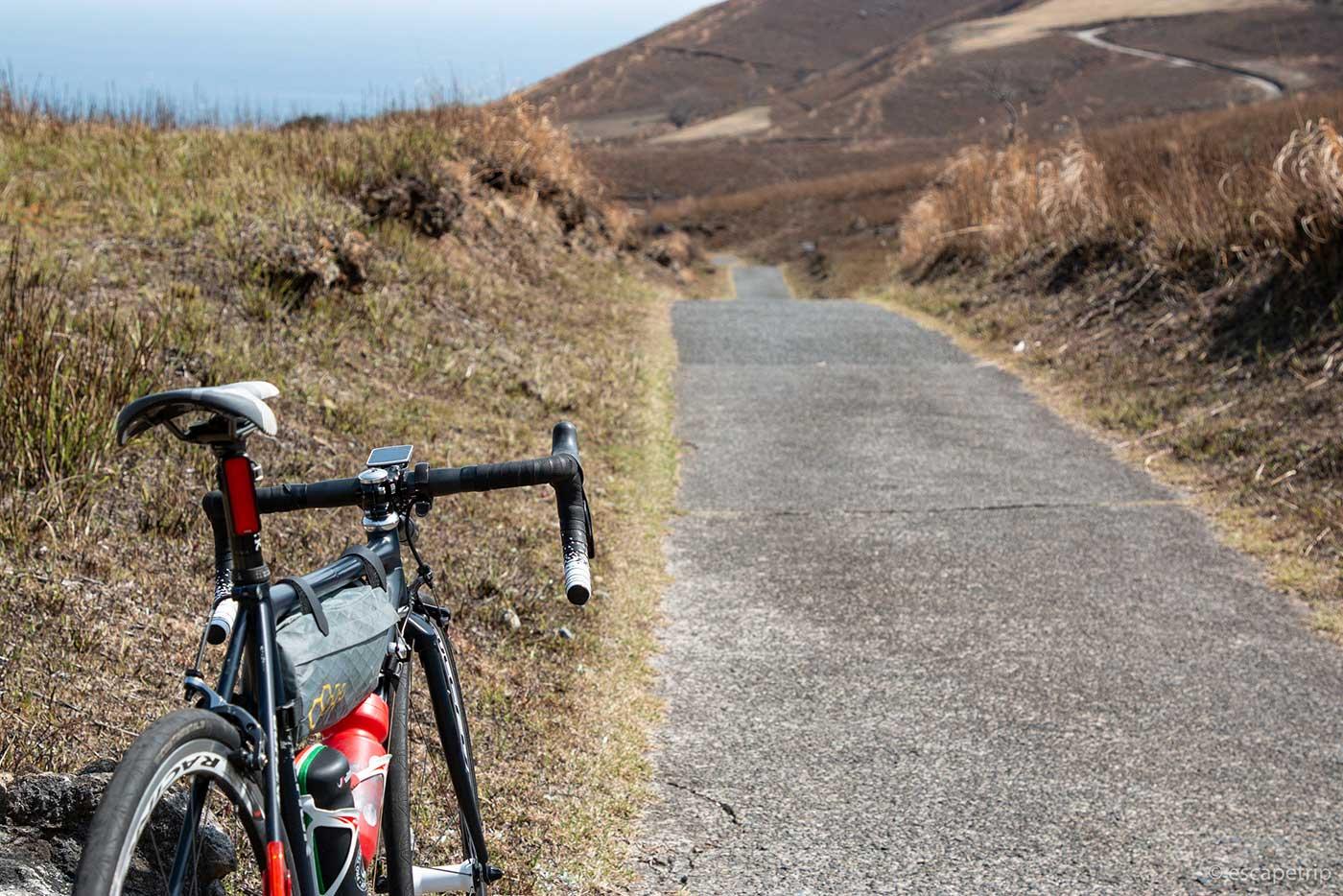 稲取細野高原の狭い道