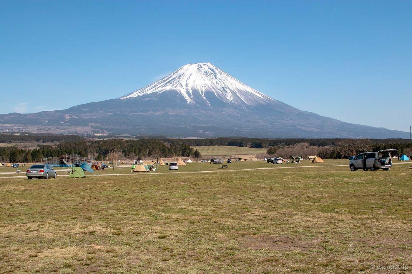 ふもとっぱらキャンプ場と富士山