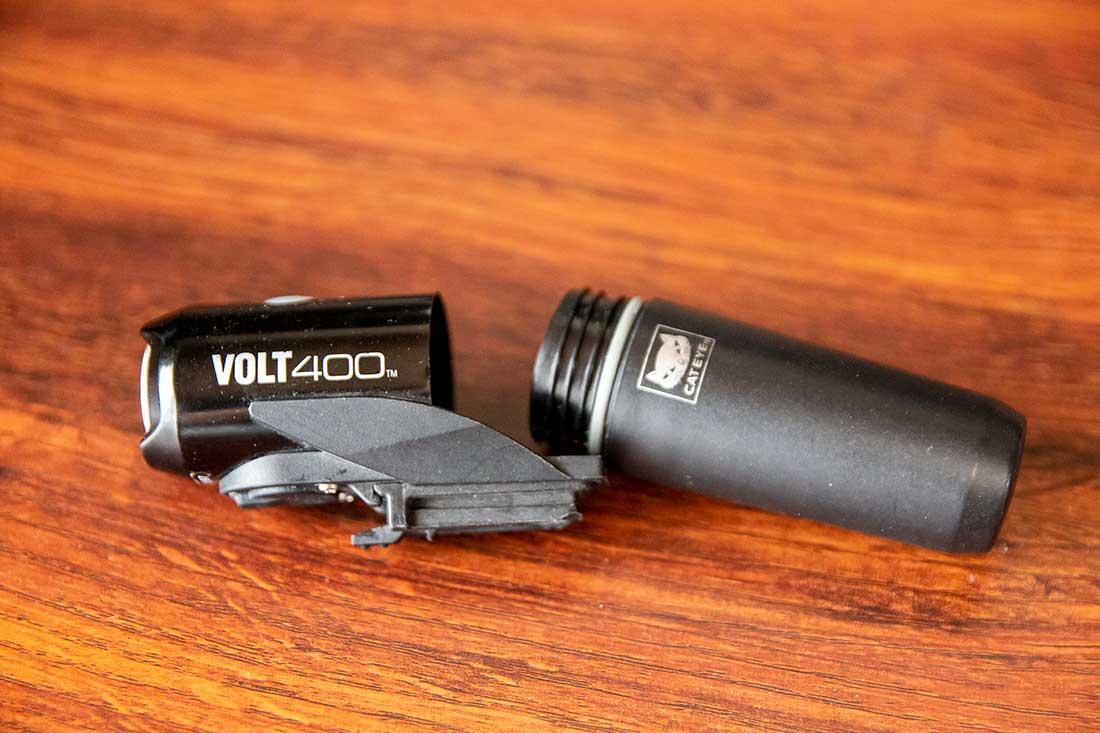 volt400のバッテリー取り外し