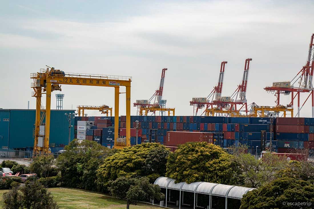 港のコンテナ