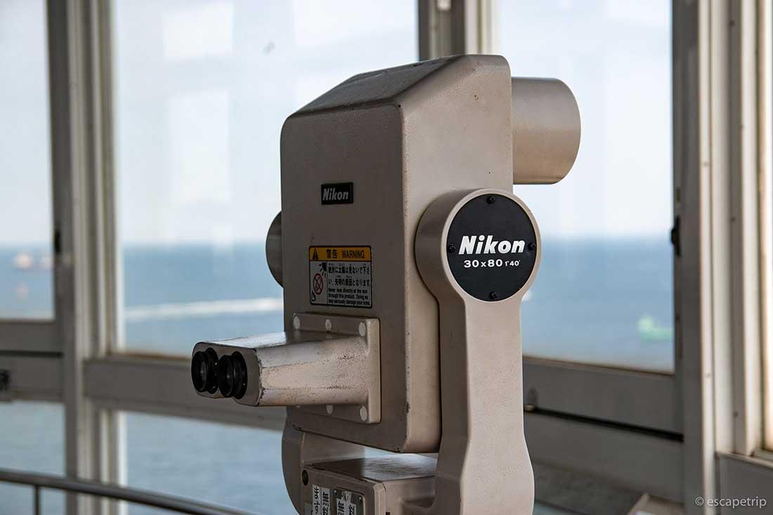 横浜港シンボルタワーの望遠鏡