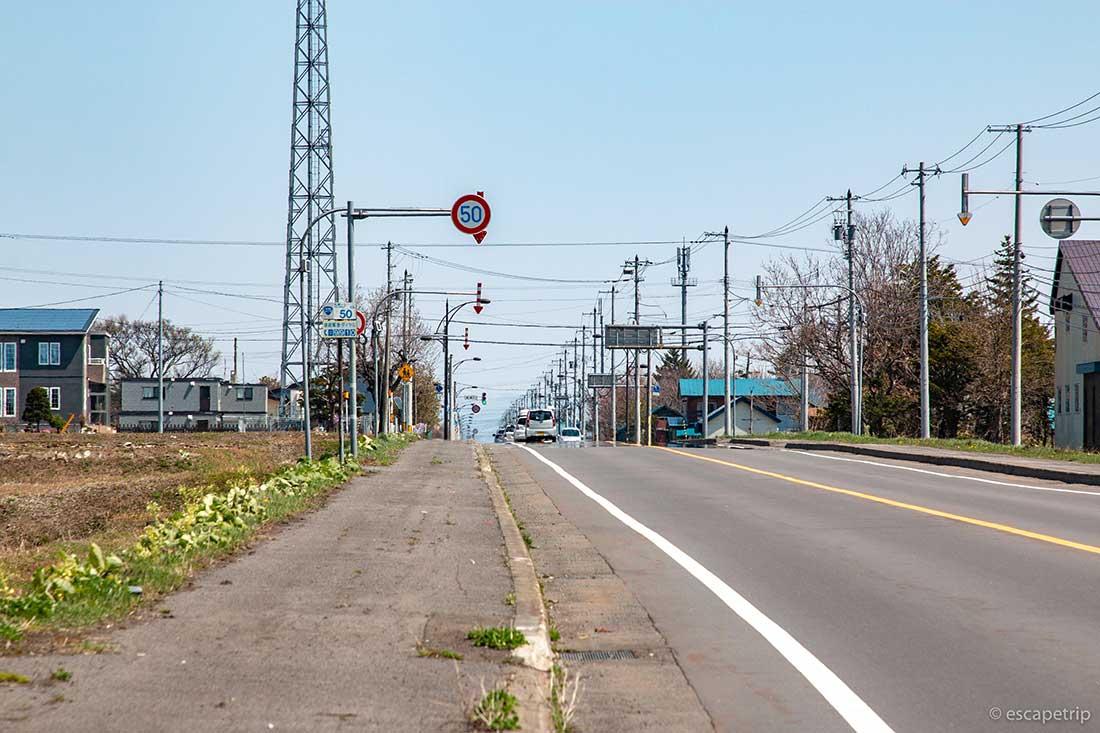どこまでも続く北海道の直線道路