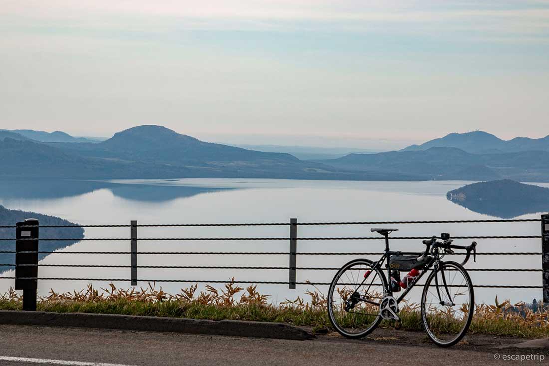 美幌峠と屈斜路湖とロードバイク