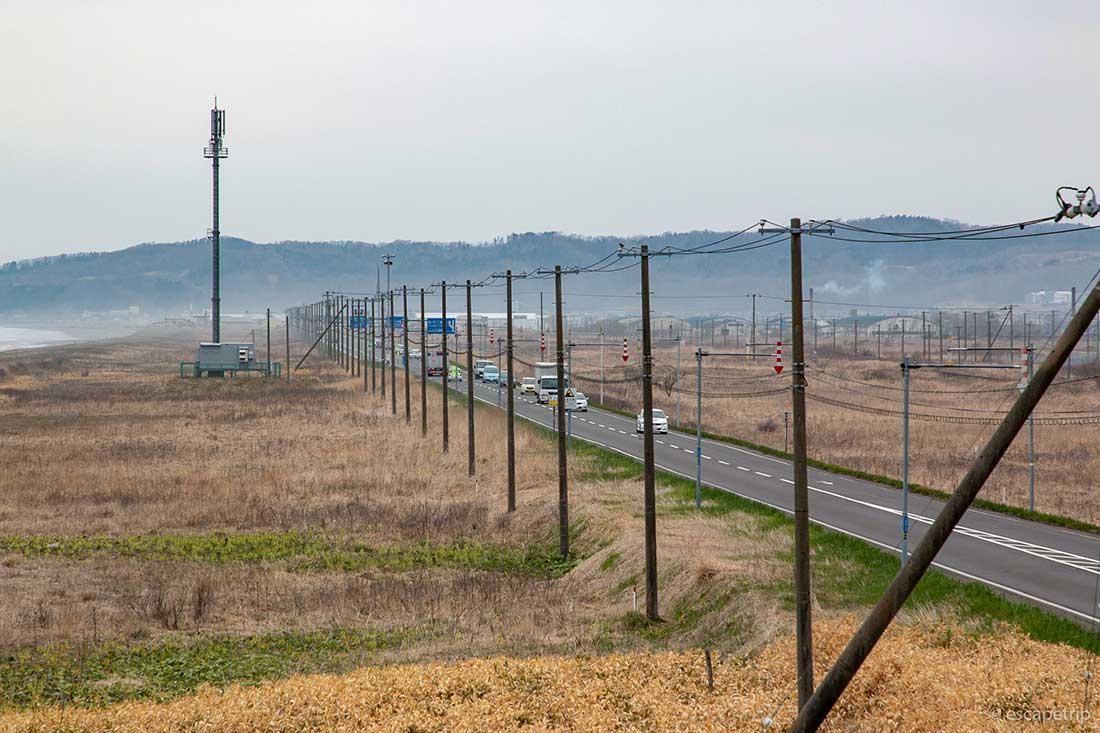 北海道の海辺の直線道路