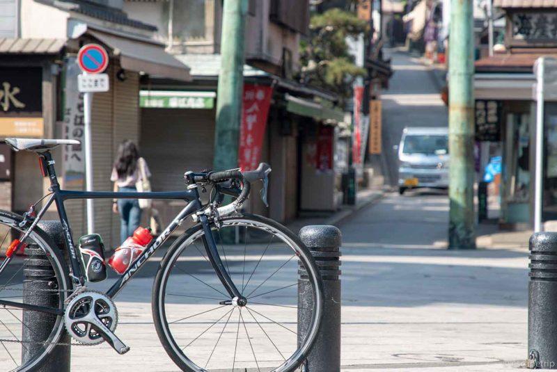 江の島とロードバイク