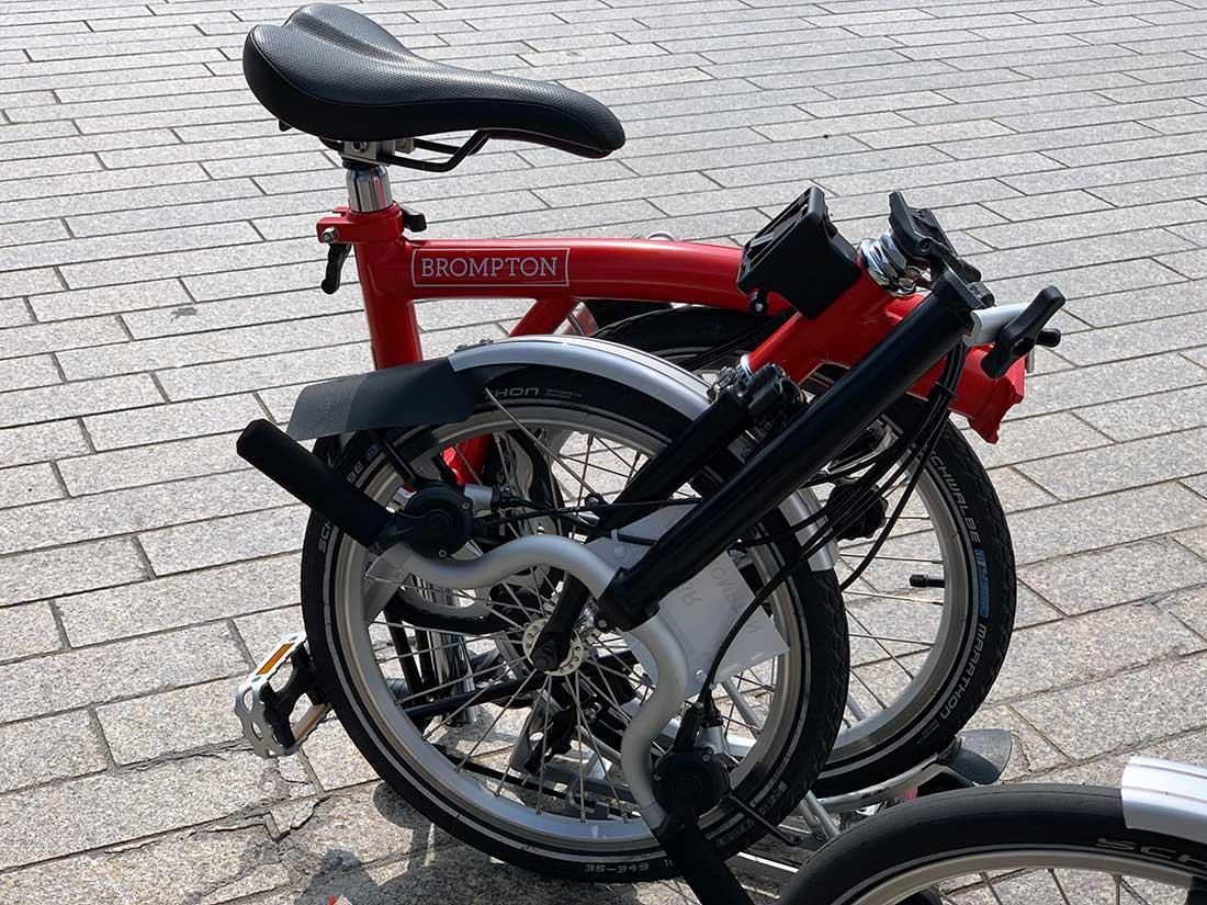 BROMPTONの折りたたみ自転車