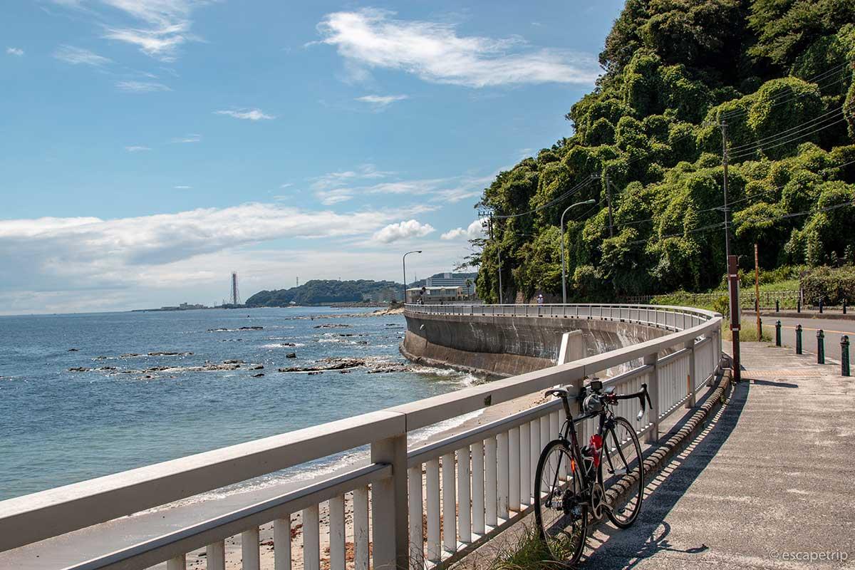 夏の三浦半島とロードバイク