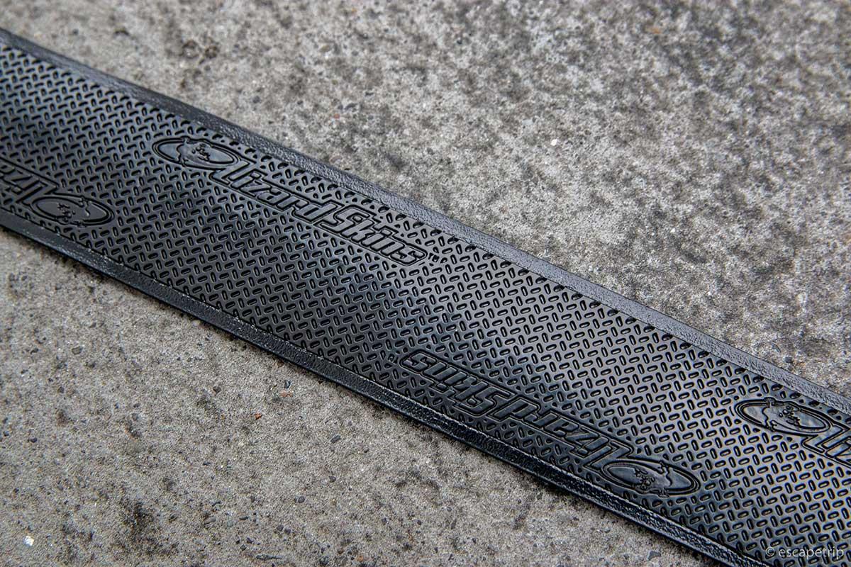 リザードスキンズのバーテープの表面