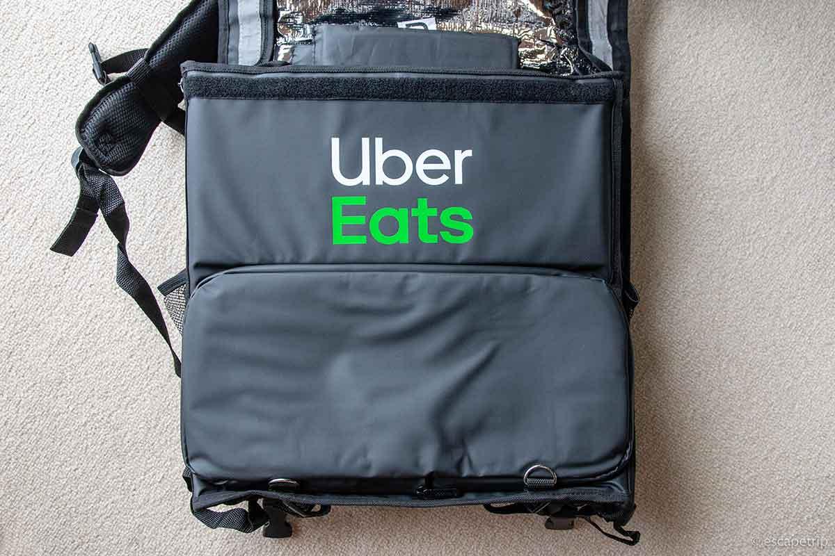 ウーバーイーツのバッグ