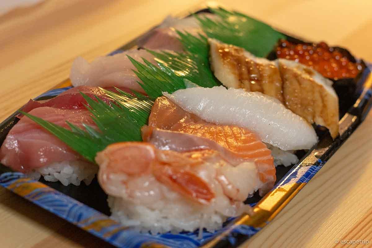 ウーバーイーツで配達された寿司