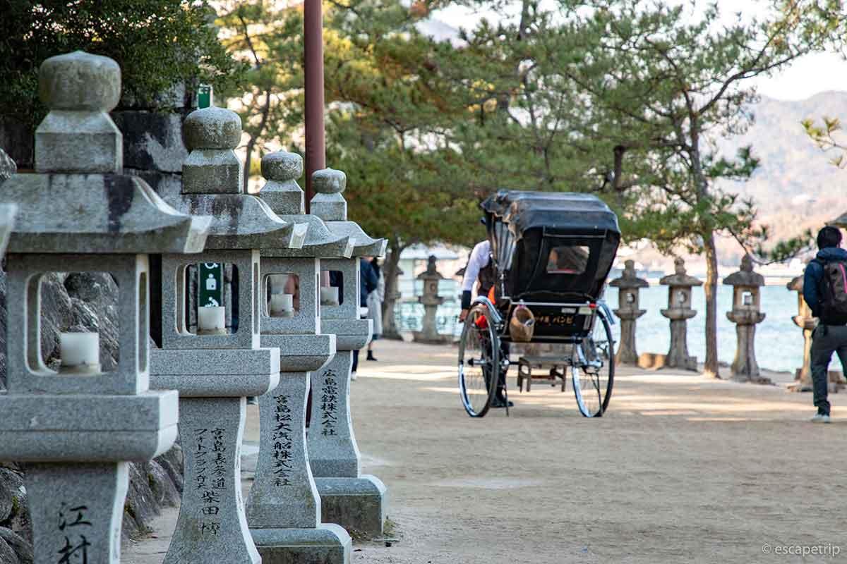 厳島神社の参道
