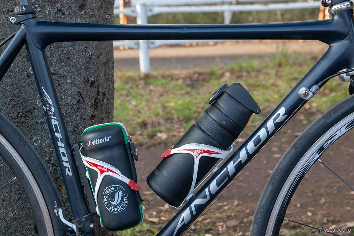 サーモス自転車用ボトルをロードバイクに収納