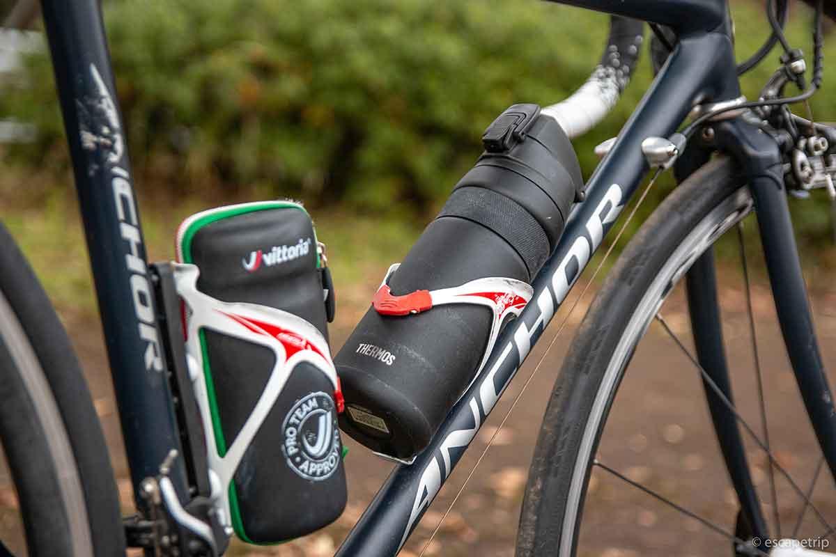 ロードバイクのボトルケージとボトル
