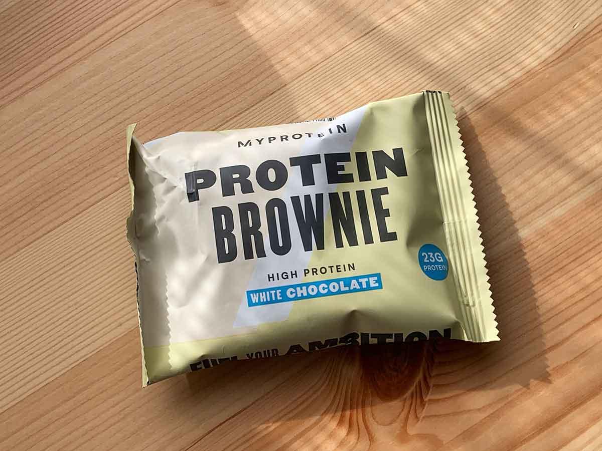 マイプロテインのチョコレートブラウニー「ホワイトチョコレート」味