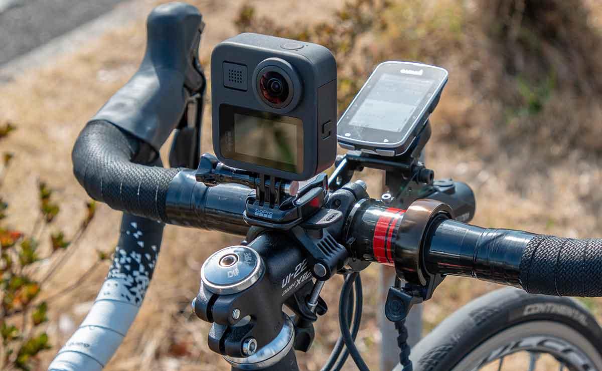 GoProをステムにマウント