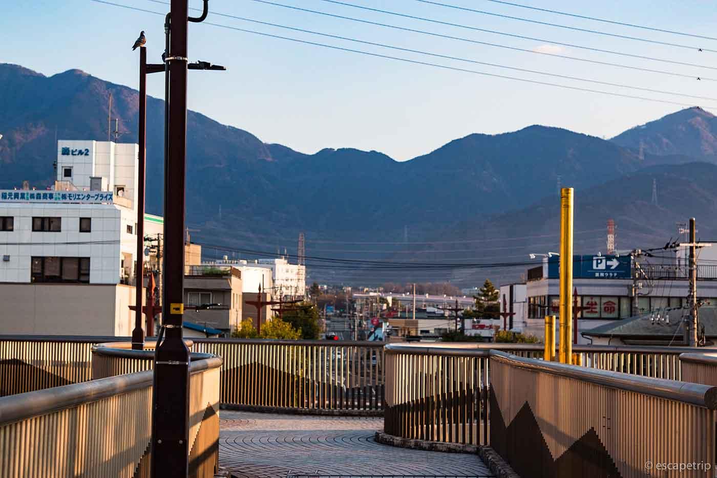 渋沢駅から見える景色
