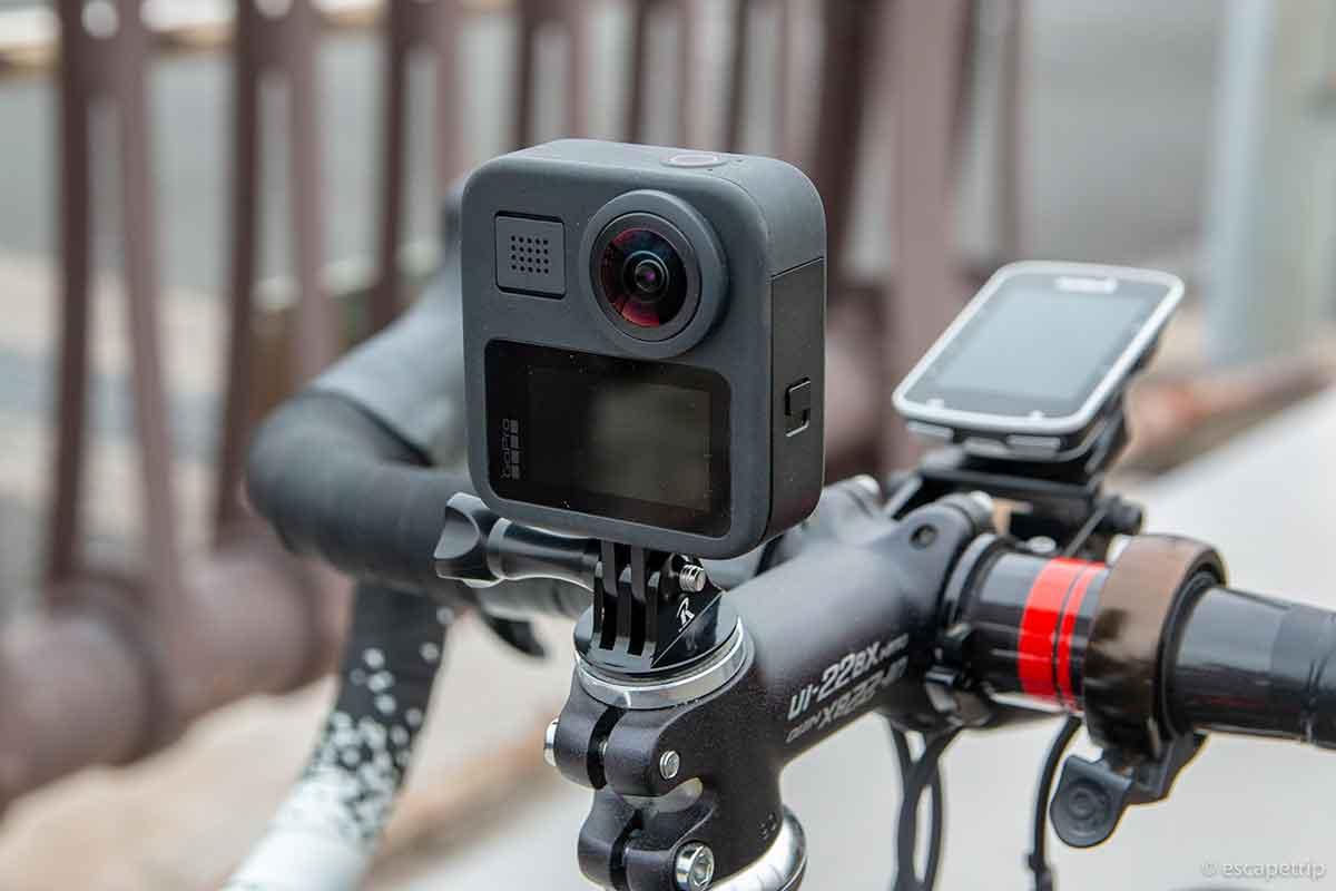 GoProをステムキャップに固定