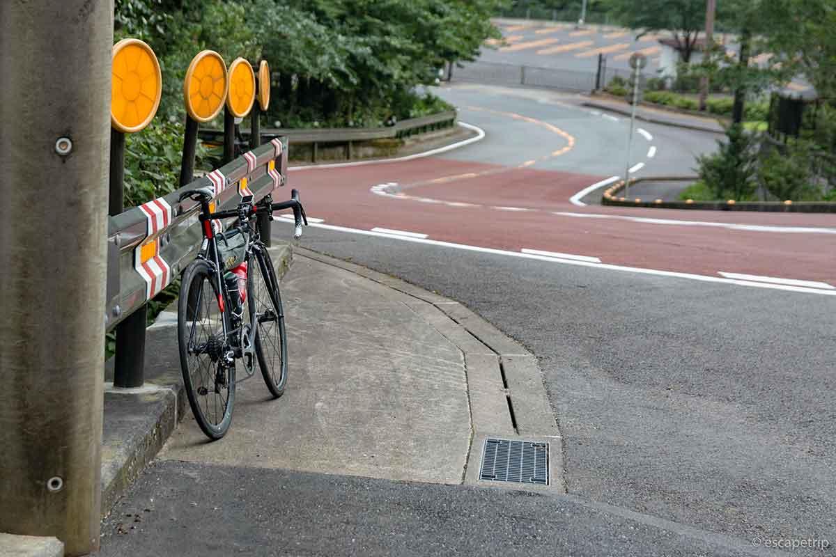 箱根七曲りとロードバイク