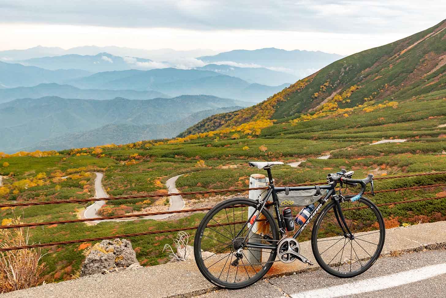 紅葉の乗鞍とロードバイク