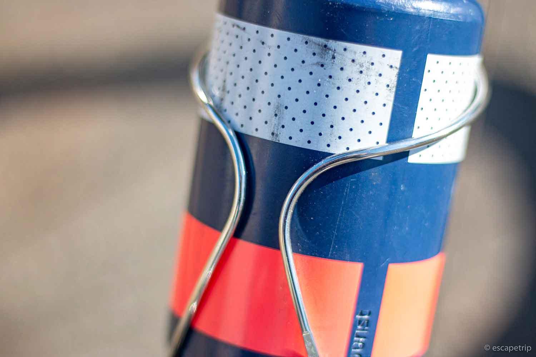 日東ボトルケージとRaphaのボトル